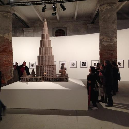 "4 Ways of Looking at Massimiliano Gioni's ""Encyclopedic Palace"" Show"