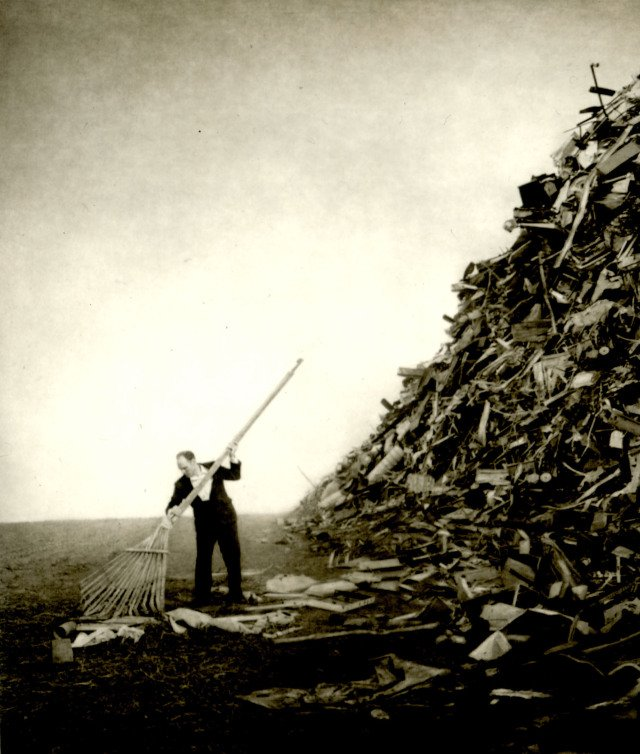 Robert and Shana ParkeHarrison, The Clearing, 2001